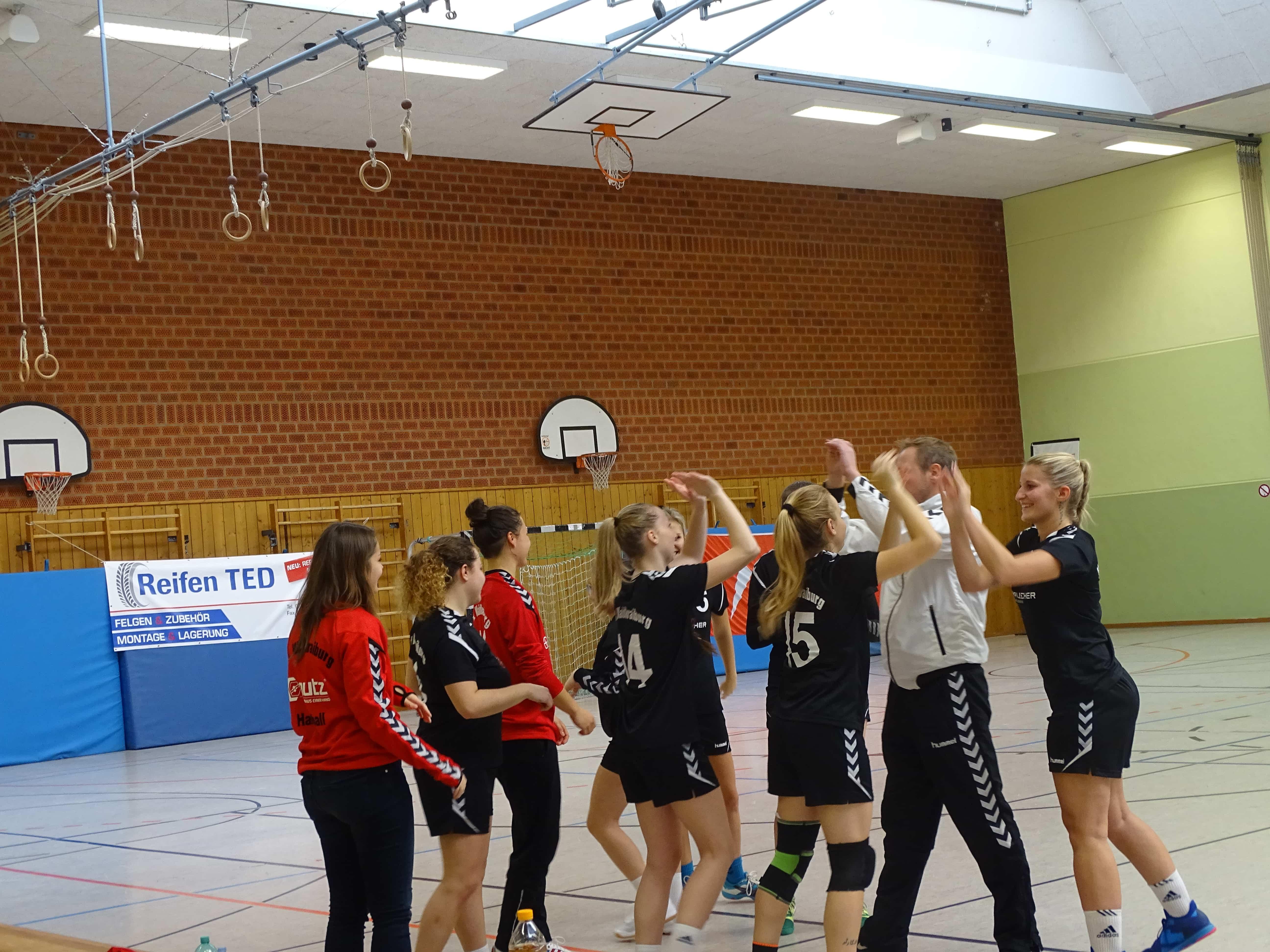 Waldkraiburger Handballdamen mit erstem Saisonsieg