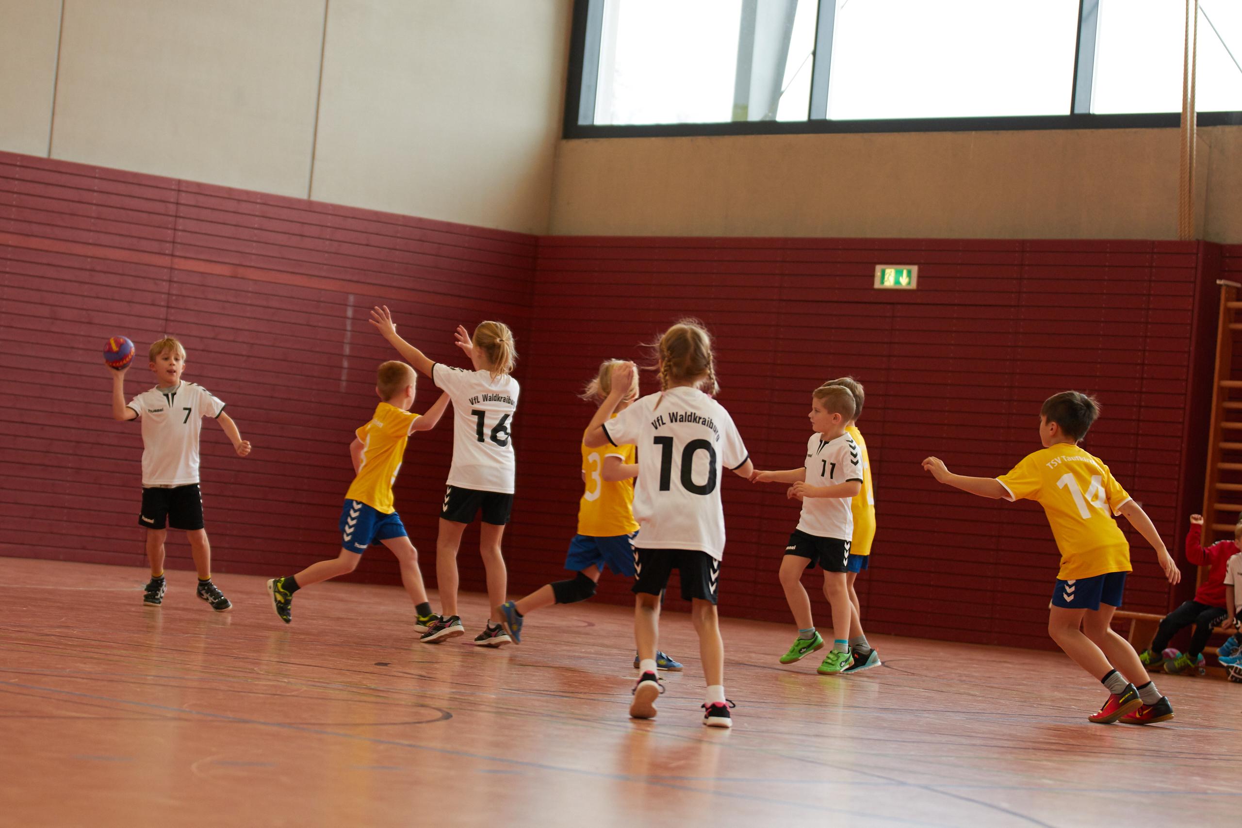 VfL Handball F-Jugend beim Turnier in Taufkirchen