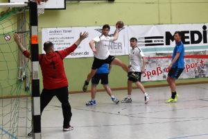 Handballherren gewinnen Auswärts in Burgkirchen mit 29:34